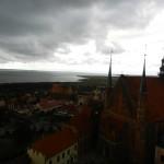 Deszczowy Frombork Kopernika